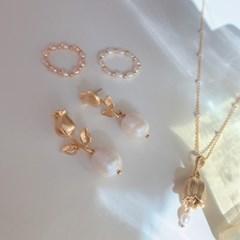 로지 진주 귀걸이 / rosie earring