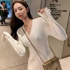 러블리 스웨터 니트 꽈배기 매듭 브이넥 미니원피스