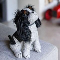 도라 킹 찰스 강아지 도어스톱