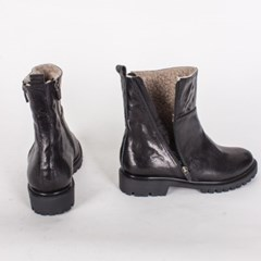 Wigmo boots (wrinkle black)