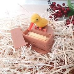 펌핑형으로 편리한 귀여운 새 모양 이쑤시개통