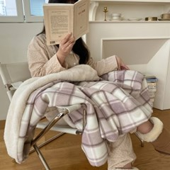 winter check blanket _ pink