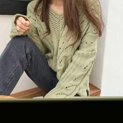 겟잇미 꽈배기 독특 짜임 브이넥 니트