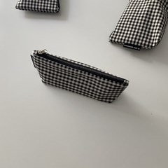 블랙 삼각 필통(Black triangle pencil case)