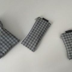 블루그레이 체크 필통(Blue gray check pencil case)