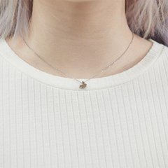 BUTTERFLY NECKLACE (MEDIUM)