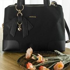 여자 신입 회사원 리본 포인트 노트북 서류 가방