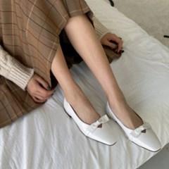 여성 가죽 스퀘어토 러블리 리본 플랫슈즈 DONA 5736