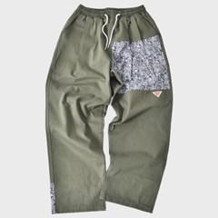 [프리키쉬빌딩] AMPLE TUCK LONG PANTS ㅡ KHAKI