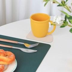 새디 테이블 매트 & 티코스터 세트 북유럽식 예쁜 가죽 양면 깔개
