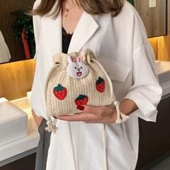 욜러 미니 귀여운 딸기 복조리 라탄 크로스백_(2577142)