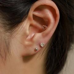 실버925 미니 데일리 오팔 원석 큐빅 하트 은 피어싱 귀걸이