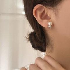 [웨딩] 드레스 신부 8mm진주 결혼식하객 큐빅 귀걸이