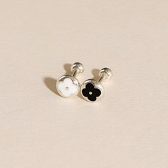 실버925 미니 루이 클로버 꽃 블랙 화이트 은 피어싱 귀걸이
