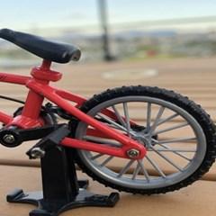 솔라텐테이블 거치대 포함 리얼 스틸 BMX 자전거 모형