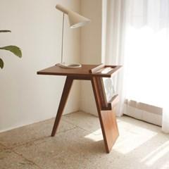 루고 매거진 테이블