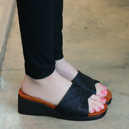 Wrinkle cross band middle wedge slippers_KM15s142