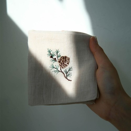RED PINE HANKIE / 소나무 자수 손수건