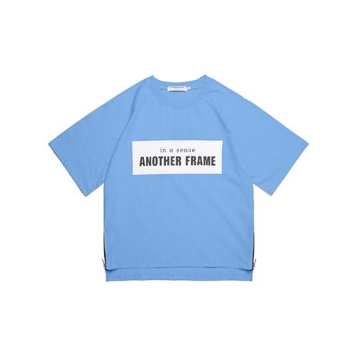 [어나더프레임] AF SQUARE ZIPPER T-SHIRT (SKY BLUE)_(632738)