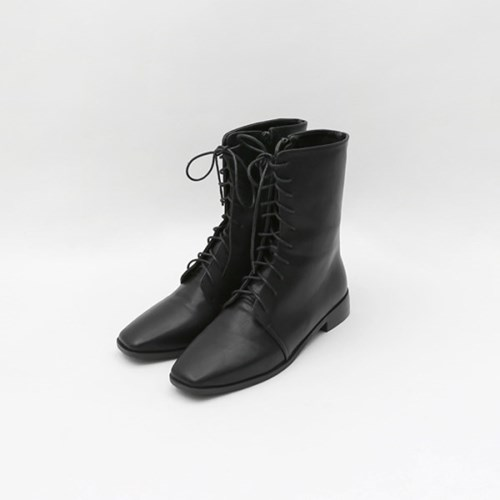 Mannish solid boots