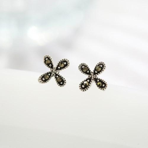 마카사이트 꽃잎 귀걸이