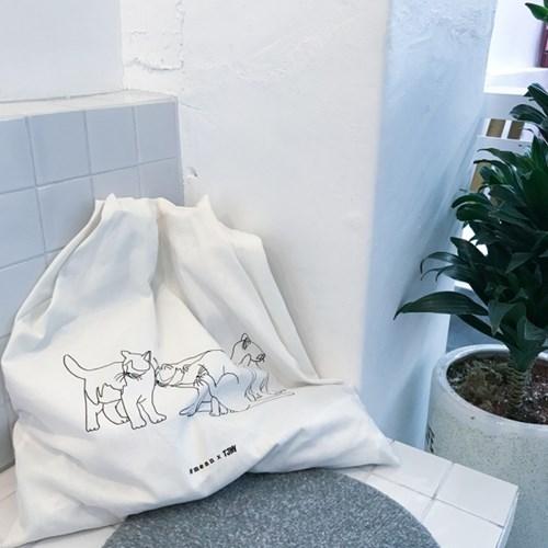 [뚜누] Four kitten 패턴 에코백