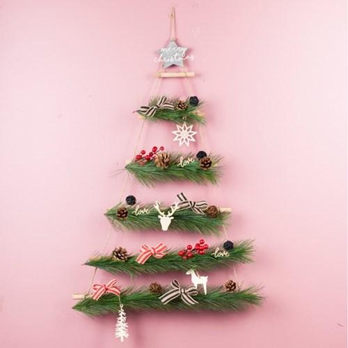 인테리어 소품 크리스마스 행잉 우드 벽트리 파인 레드_(1785610)