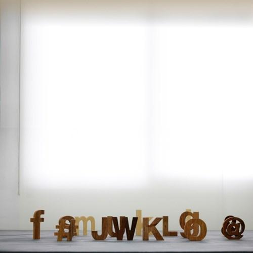 JWK 멀바우 원목 이니셜 글자 컷팅 알파벳 우드 로고
