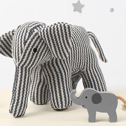 줄무늬 코끼리