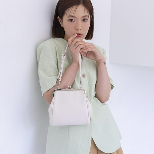 (2/19 순차배송) Olsen frame mini bag_ivory