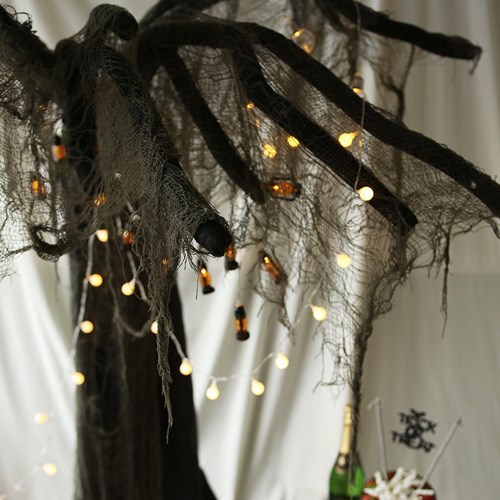 대형 할로윈 유령의 나무
