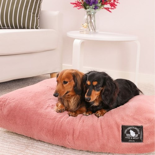 INDI PINK FUR BED