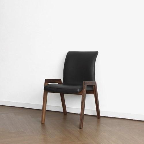 [헤리티지월넛] Q형 의자_(1414681)
