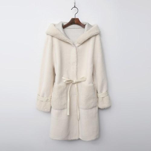 Sherpa Hood Mustang Coat