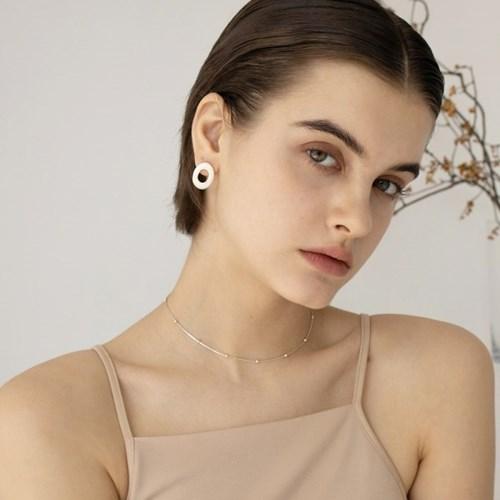 oval nacre earring