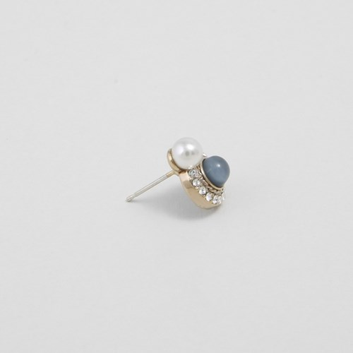 [쥬디앤폴] 로니 클래식 블루 진주 귀걸이 E51351