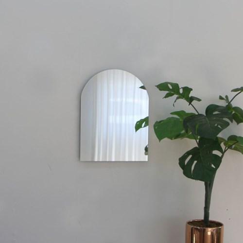 아치형 벽거울