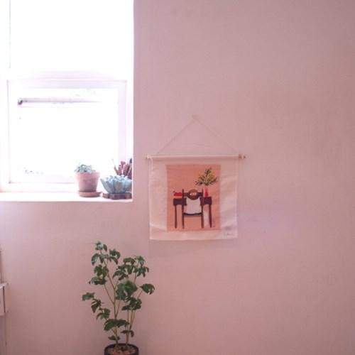 지켜보고있다 고양이 일러스트 페브릭 행잉 포스터