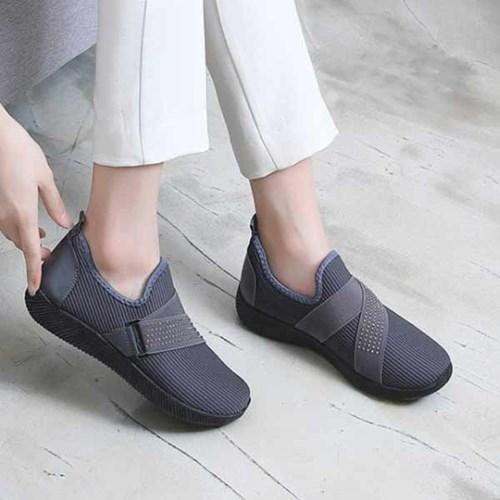 kami et muse Stud elastic band comfort sneakers_KM21s025