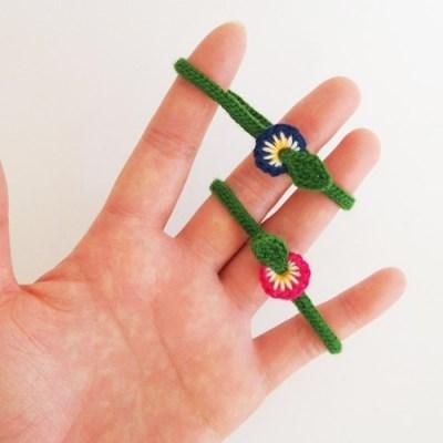 손뜨개 양귀비 꽃 팔찌