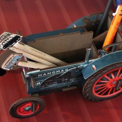 Pen box tractor