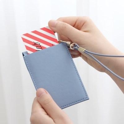 아이코닉 슬릿 넥 카드포켓