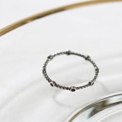 [925실버] 블랙도트 꼬임 반지