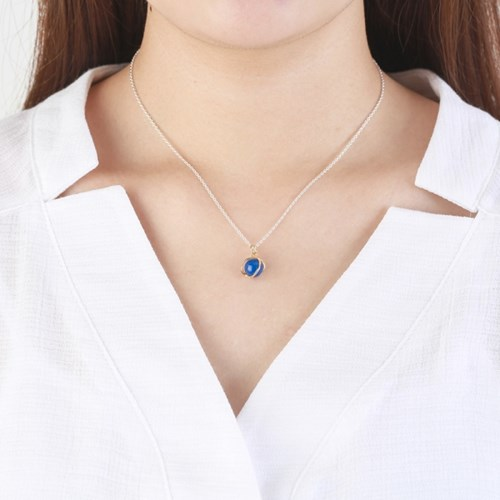 Small Planet Necklace - Blue agate/Sil chain