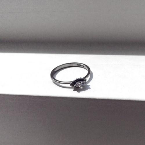 Renaissance Antique white ring