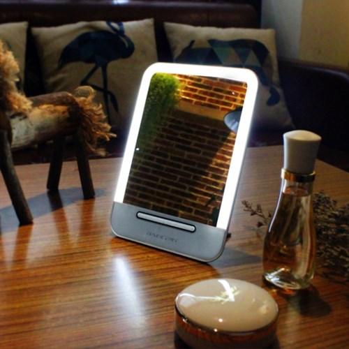 터치패드 LED 탁상 화장 거울