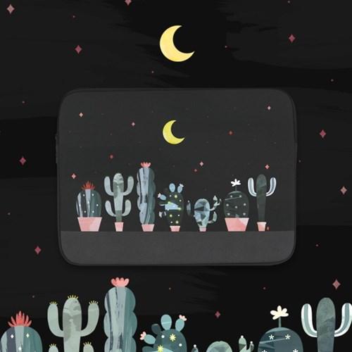 Cactus in the night (아이패드/11/13/15형)