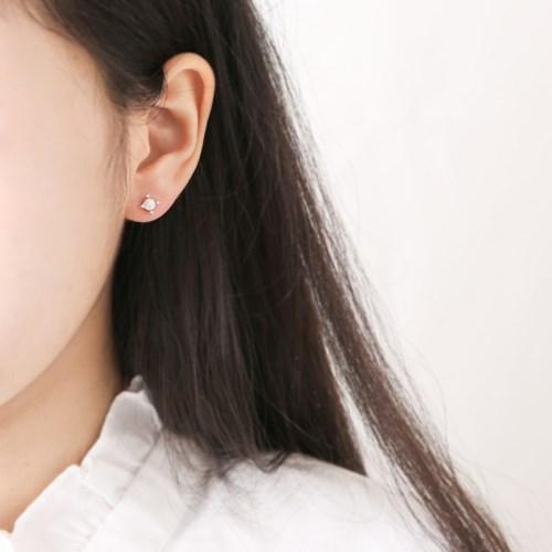 포인트 오팔 볼 귀걸이