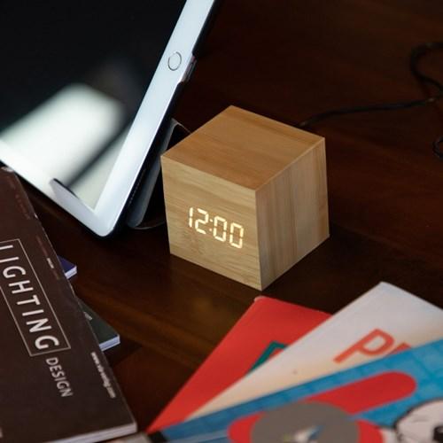 LED 큐브 우드 탁상시계