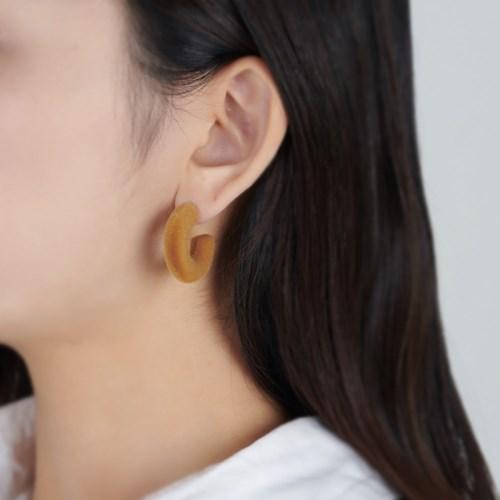 링 컬러 귀걸이